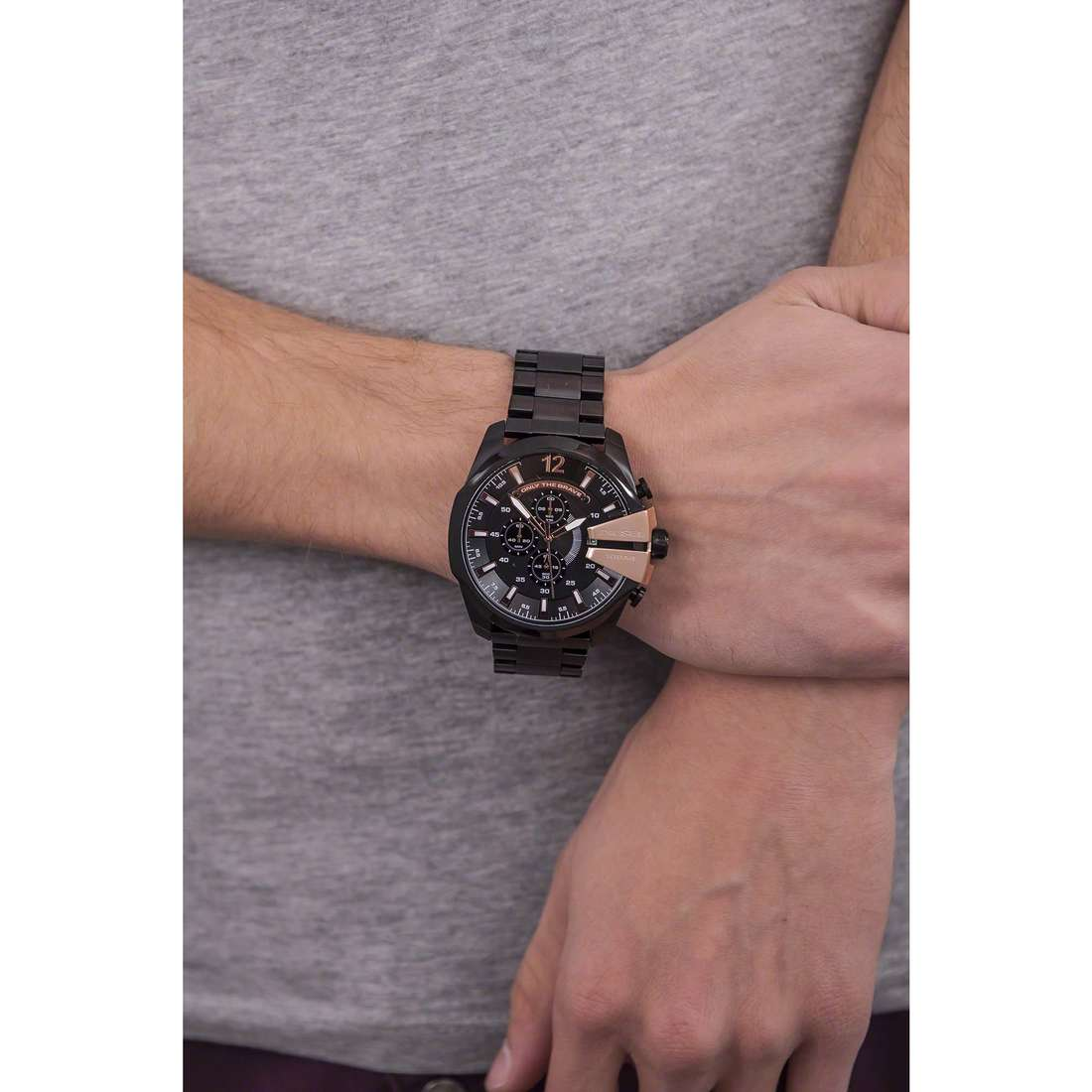 Diesel chronographes Mega Chief homme DZ4309 indosso