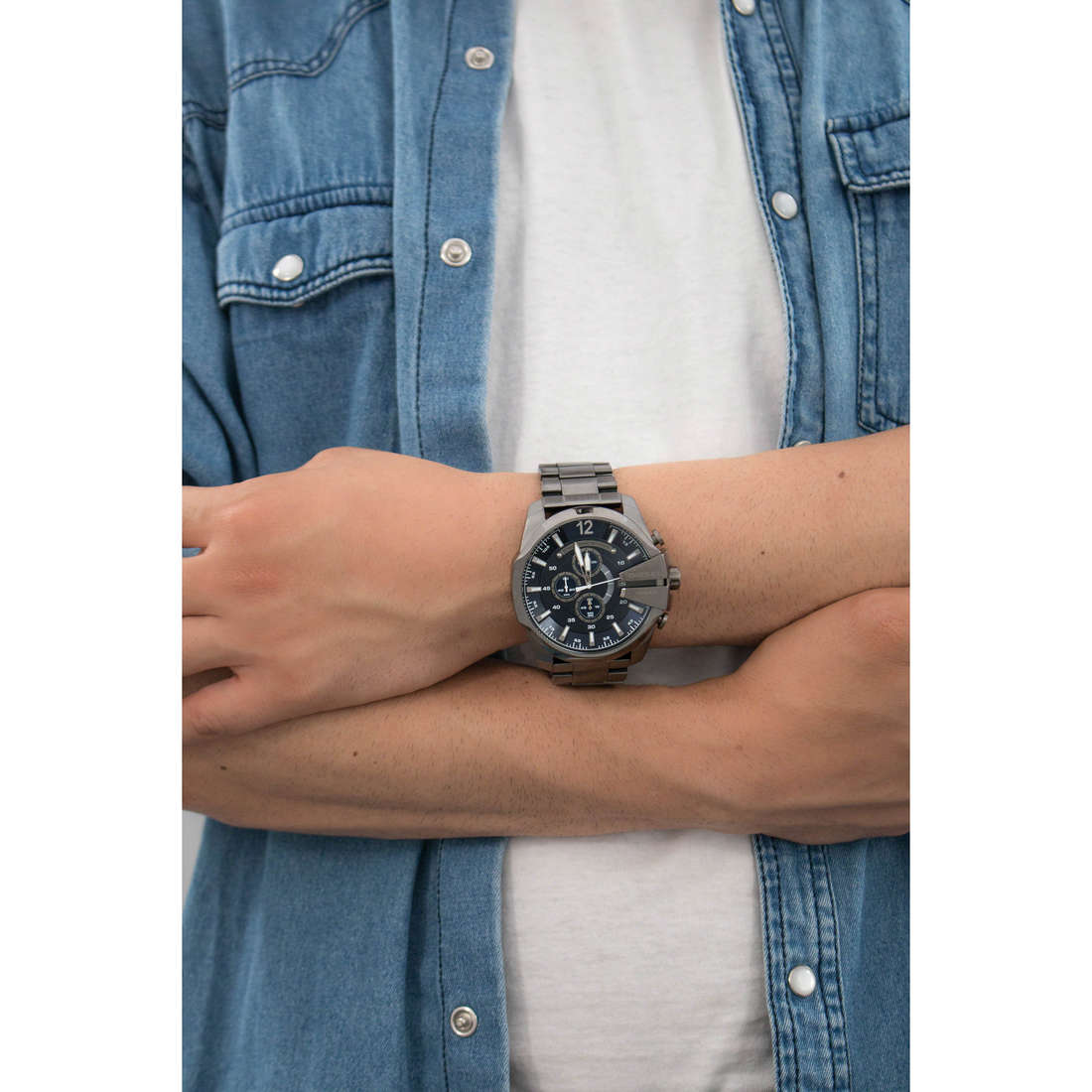 Diesel chronographes Mega Chief homme DZ4329 indosso
