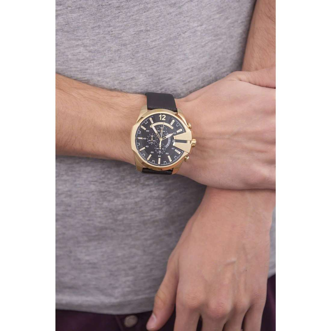 Diesel chronographes Mega Chief homme DZ4344 indosso