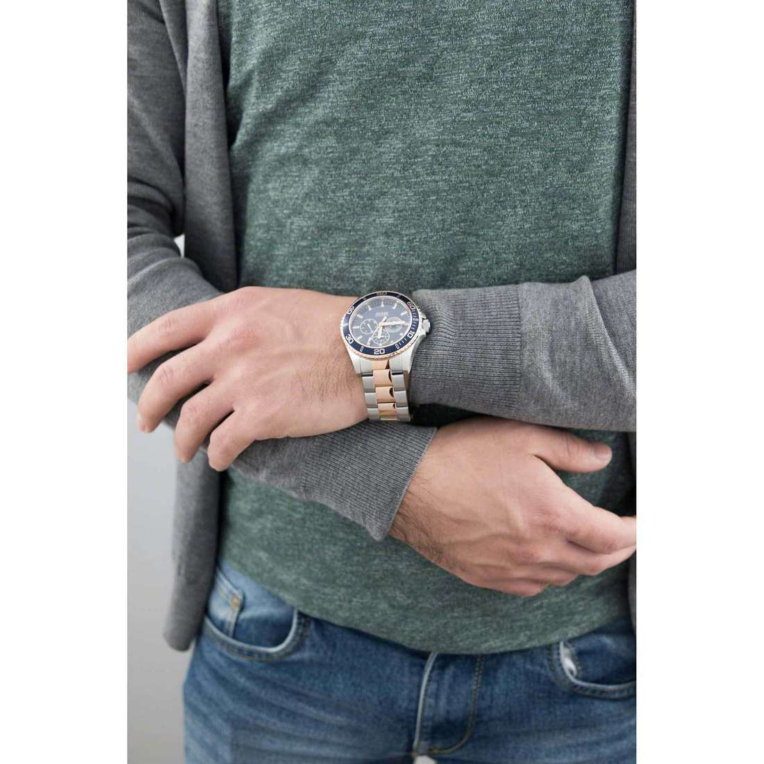 Guess chronographes Chaser homme W0172G3 indosso