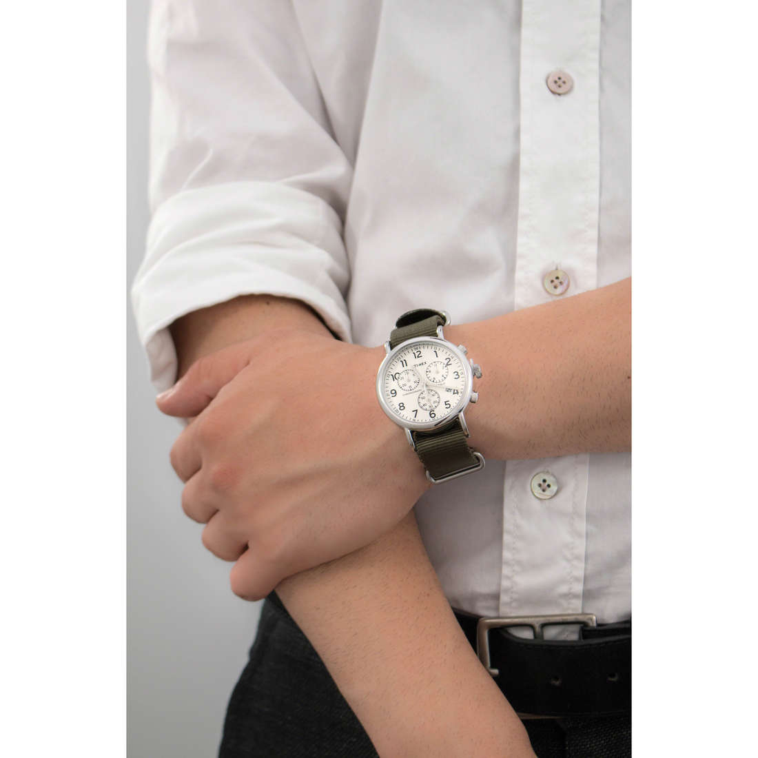 Timex chronographes Weekender homme TW2P71400 indosso