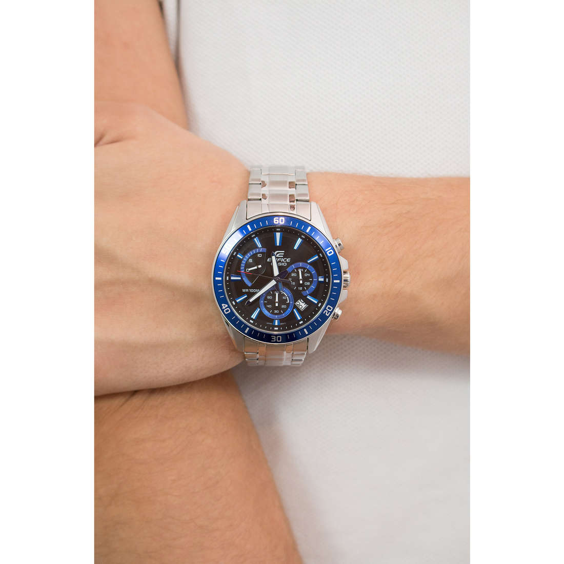 Casio multifonction Edifice homme EFR-552D-1A2VUEF photo wearing
