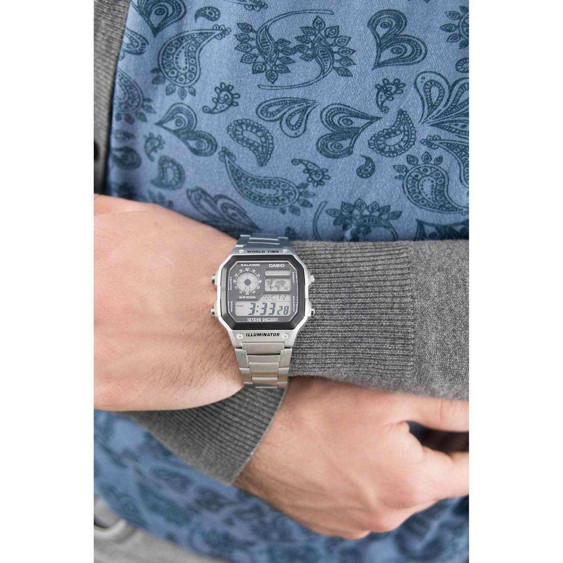 Casio numériques Casio Collection homme AE-1200WHD-1AVEF indosso
