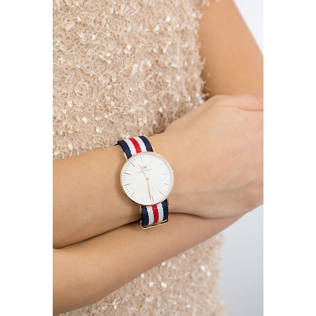 Daniel Wellington seul le temps Classic femme DW00100030 photo wearing