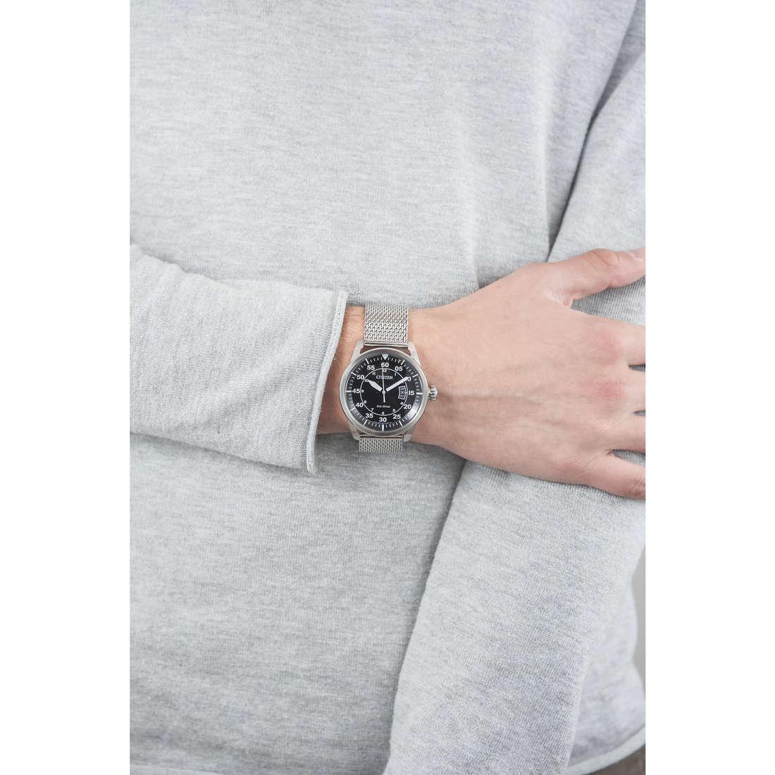 Citizen seul le temps homme AW1360-55E indosso