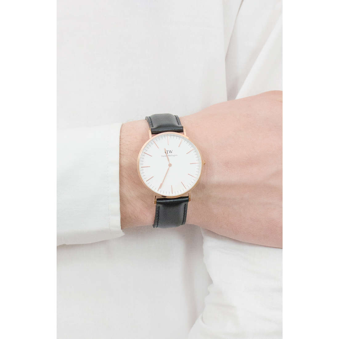 Daniel Wellington seul le temps Classic homme DW00100007 photo wearing