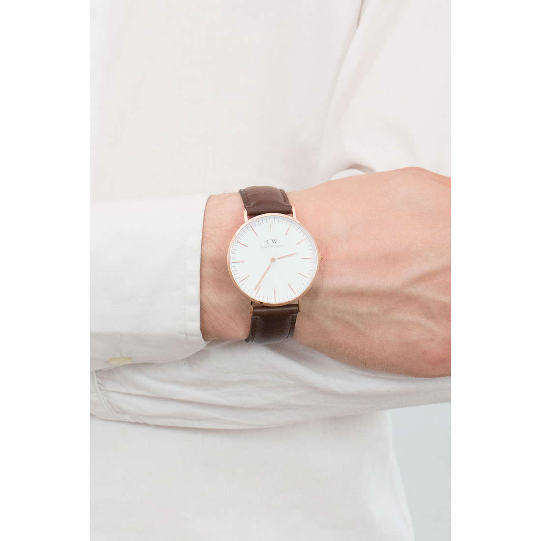 Daniel Wellington seul le temps Classic homme DW00100009 photo wearing