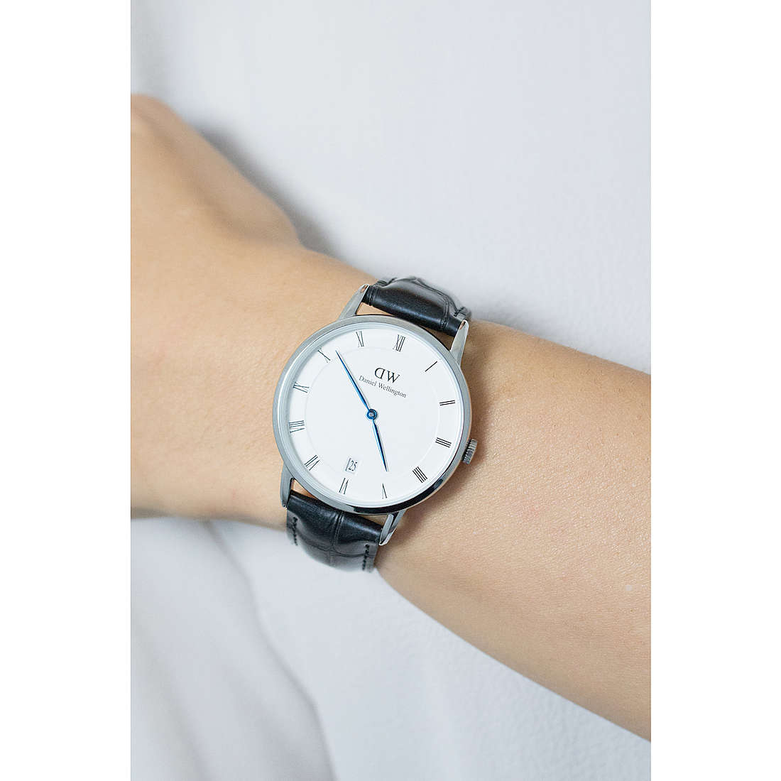 Daniel Wellington seul le temps Dapper Reading femme DW00100117 photo wearing