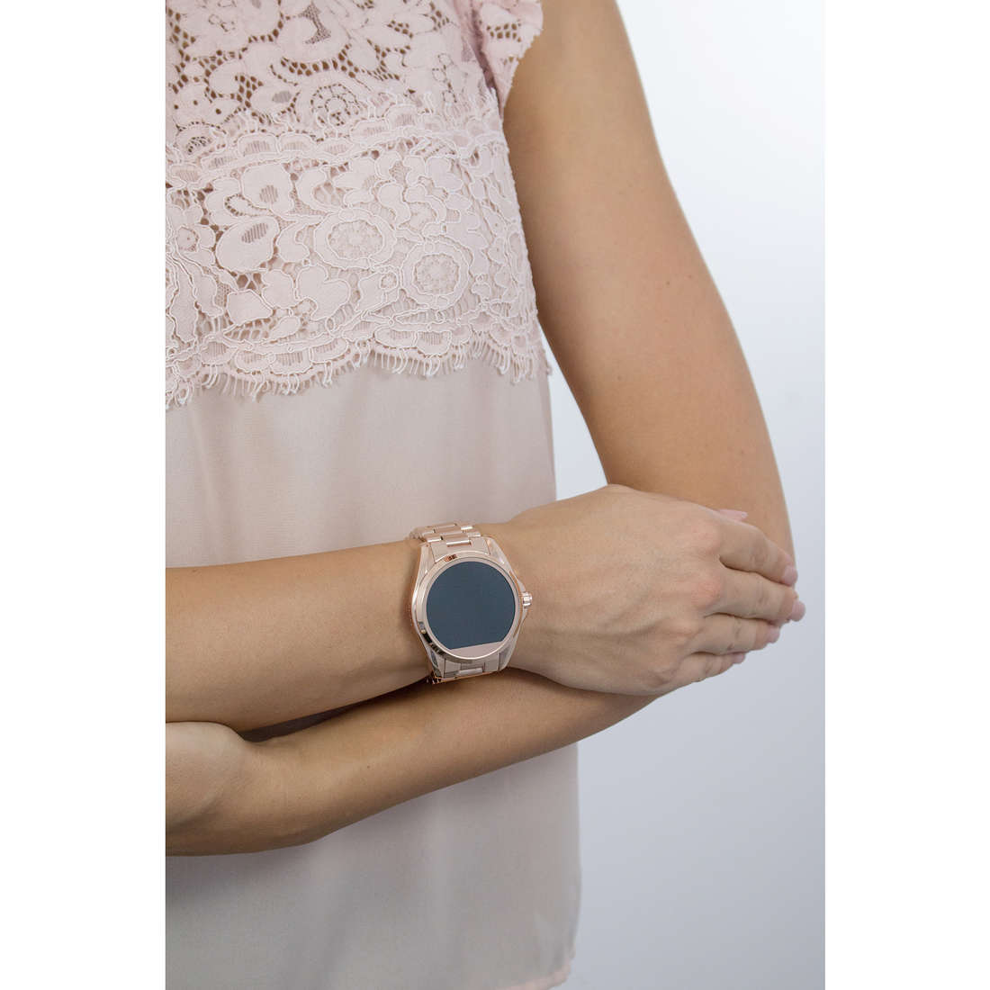Michael Kors Smartwatches femme MKT5004 photo wearing
