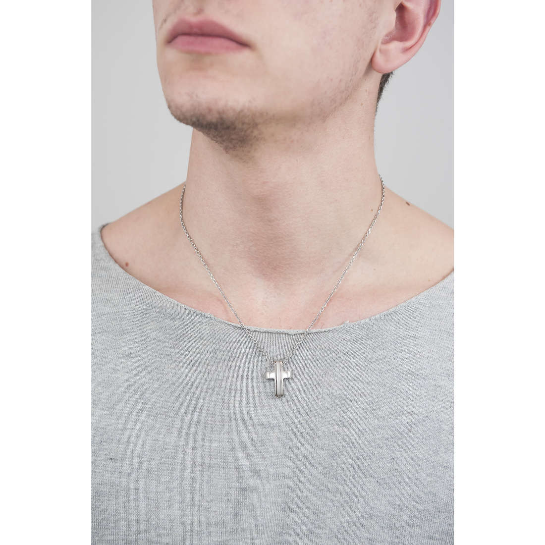 Brosway necklaces Medieval man BMV01 indosso