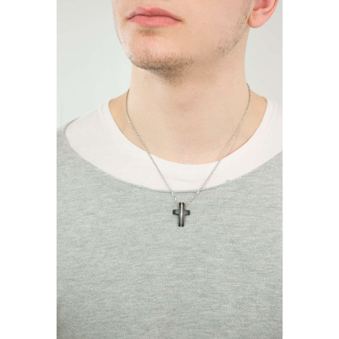 Brosway necklaces Medieval man BMV03 photo wearing
