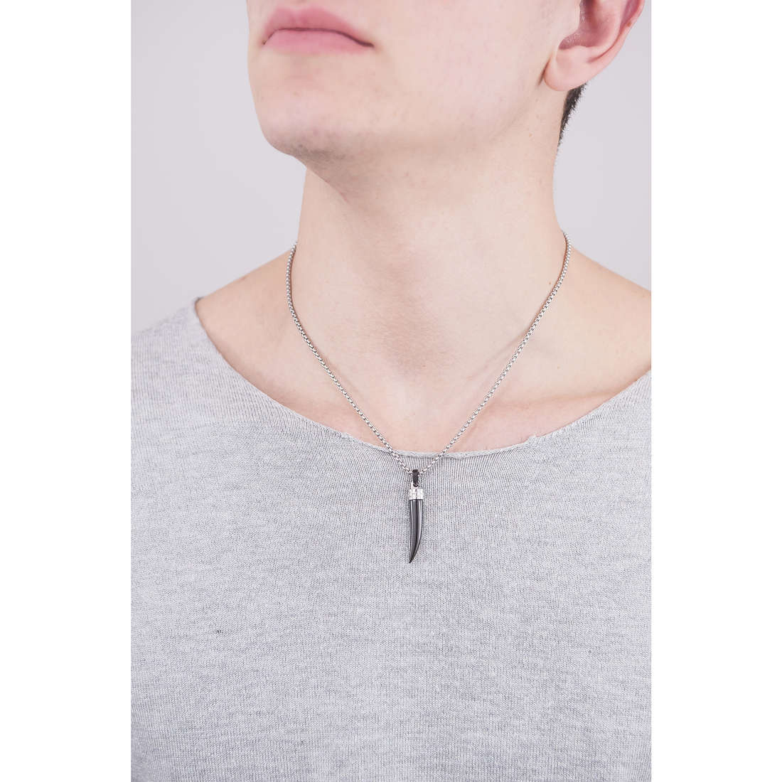 Brosway necklaces Sign man BGN05 indosso