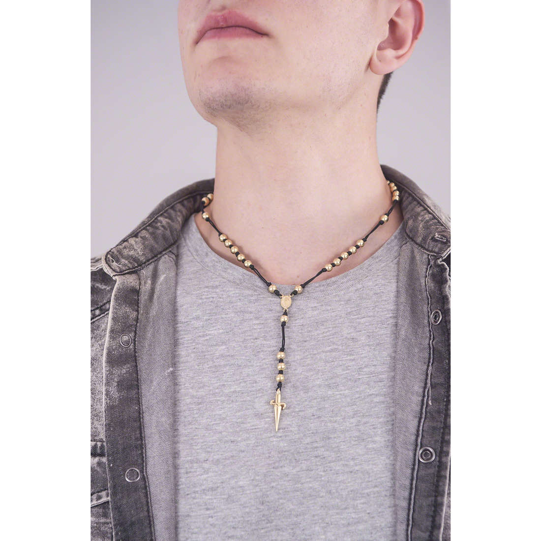 Cesare Paciotti necklaces man JPCL1053G indosso
