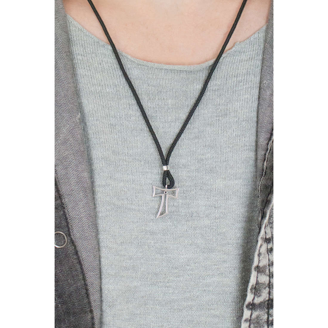 Comete necklaces Holy man UGL 493 photo wearing