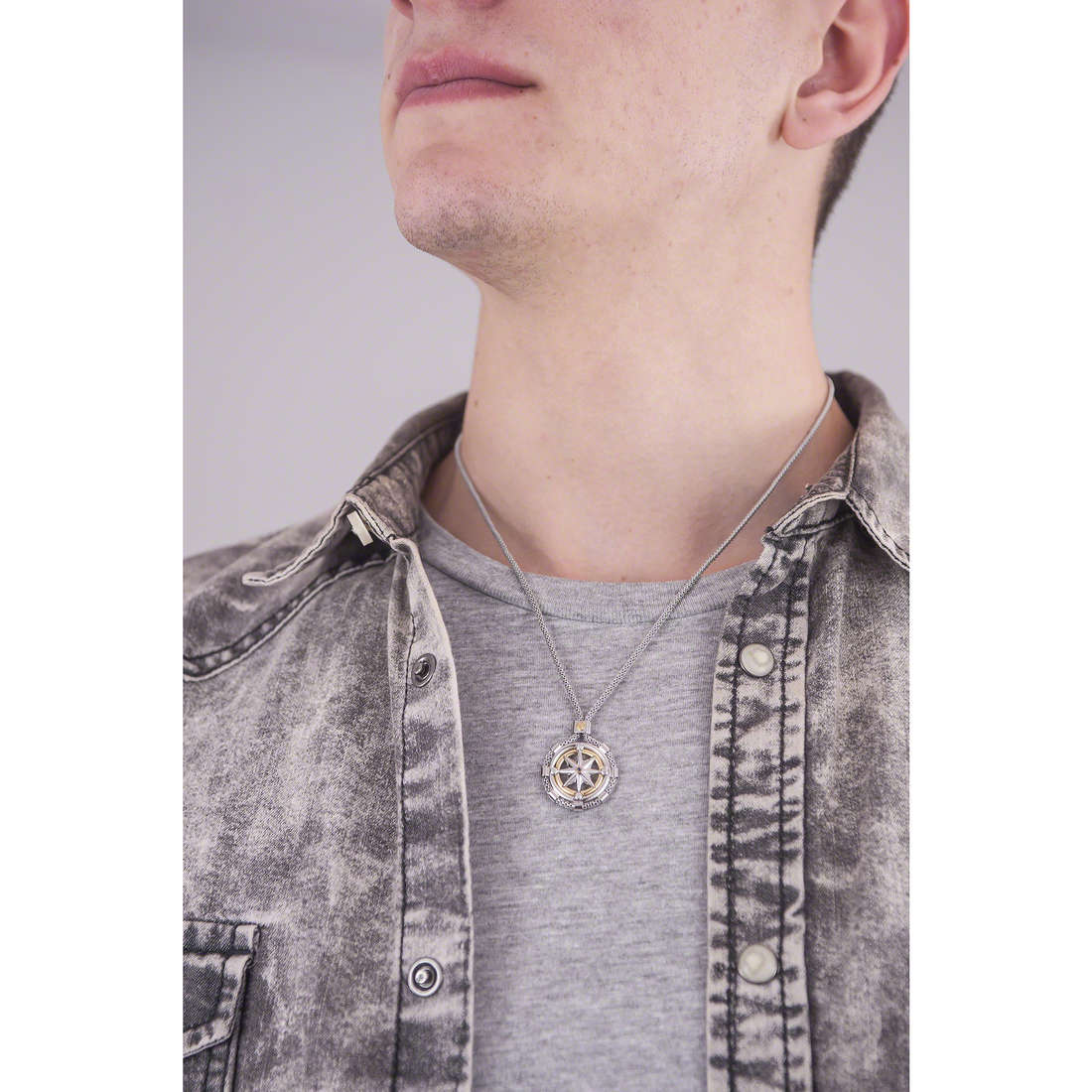 Comete necklaces Blu di Genova man UGL 562 photo wearing