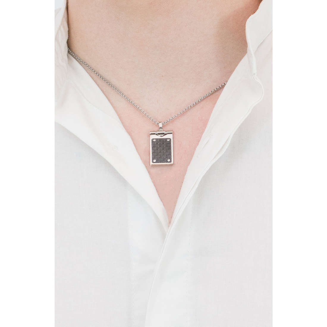 Comete necklaces Building man UGL 569 indosso