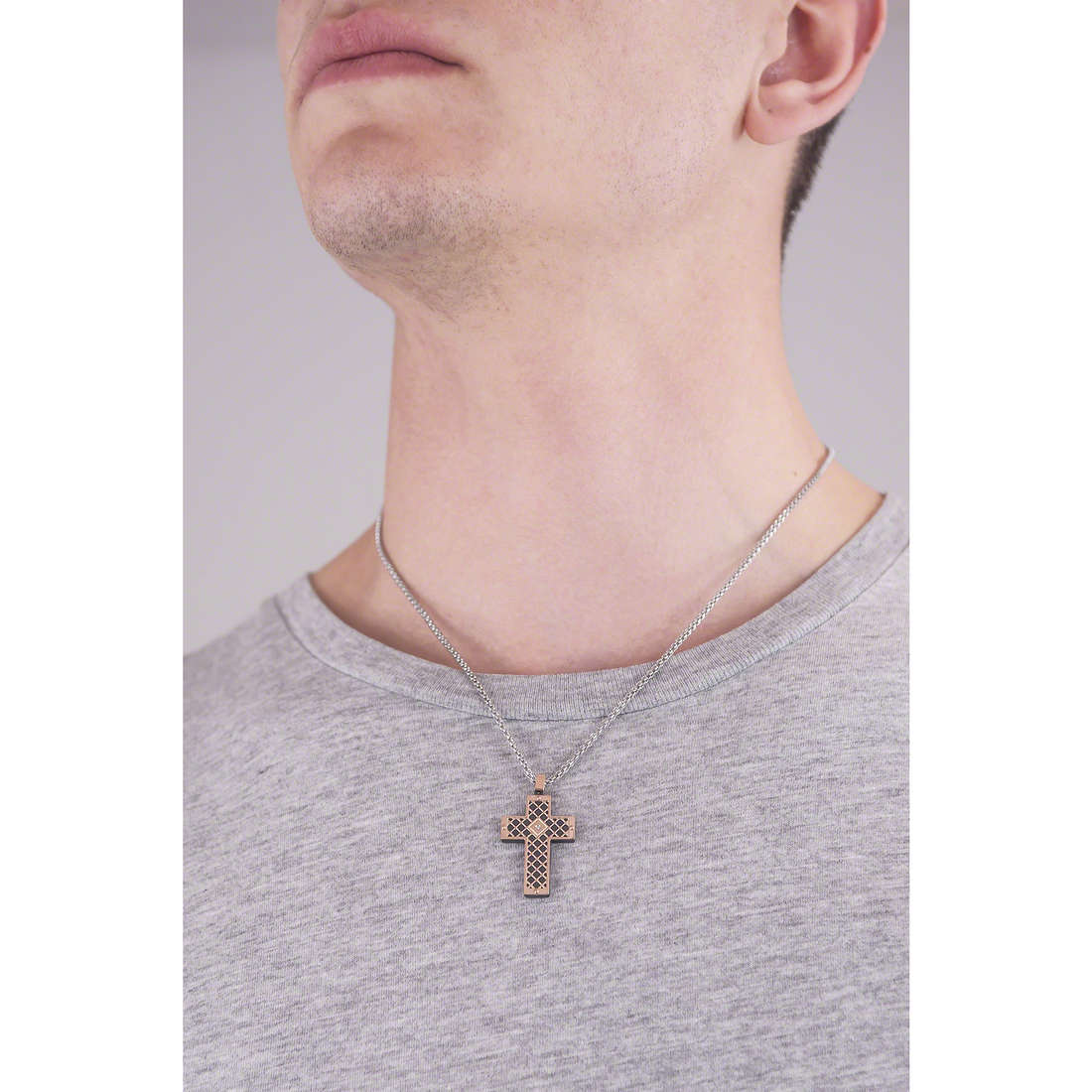 Comete necklaces Net man UGL 502 photo wearing