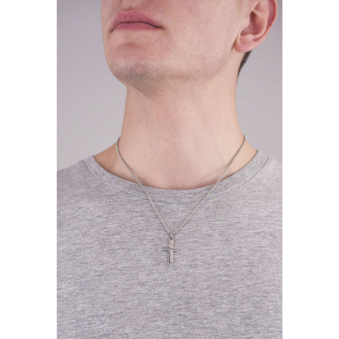 Comete necklaces Zip man UGL 521 indosso