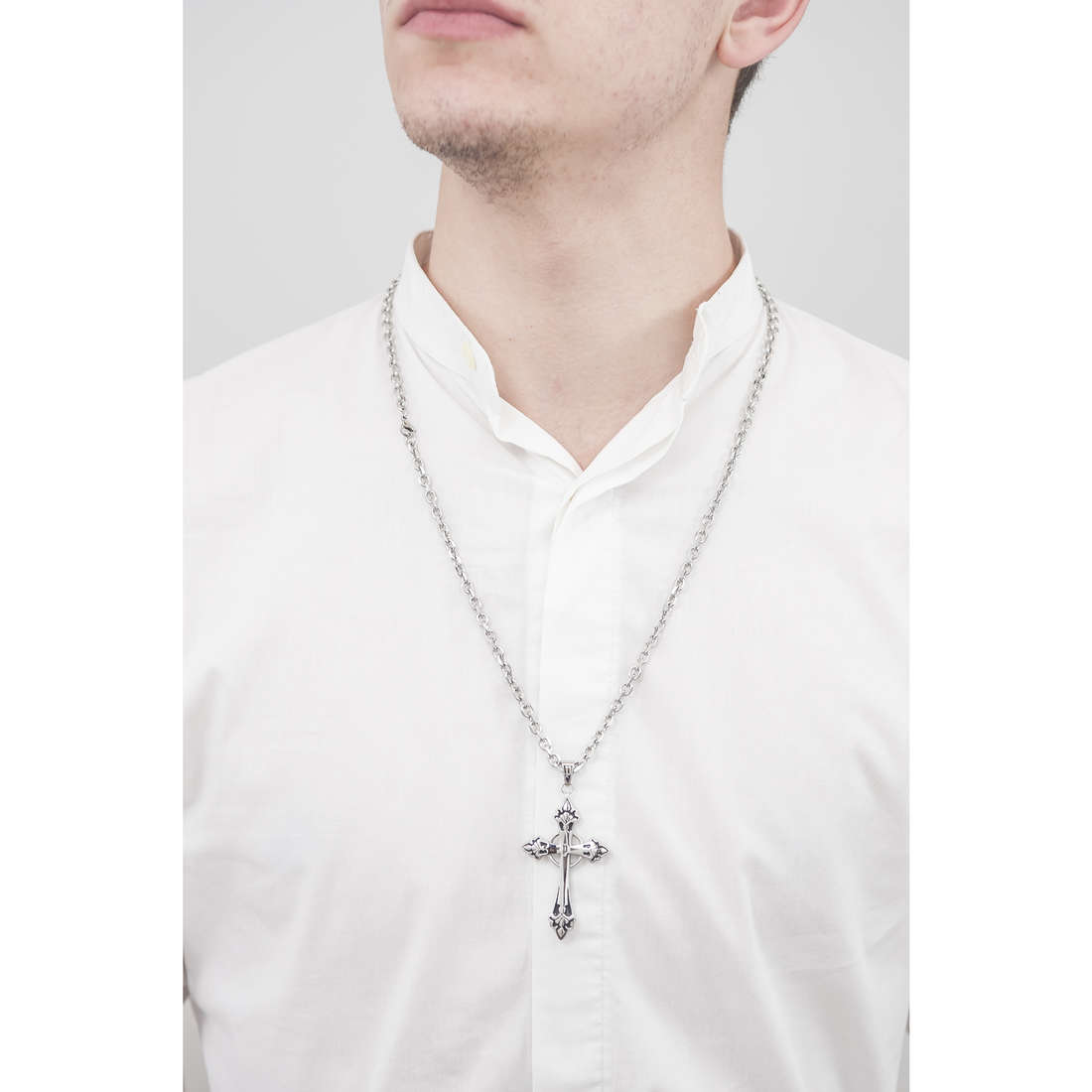 Police necklaces Blessing man S14AEB01P indosso