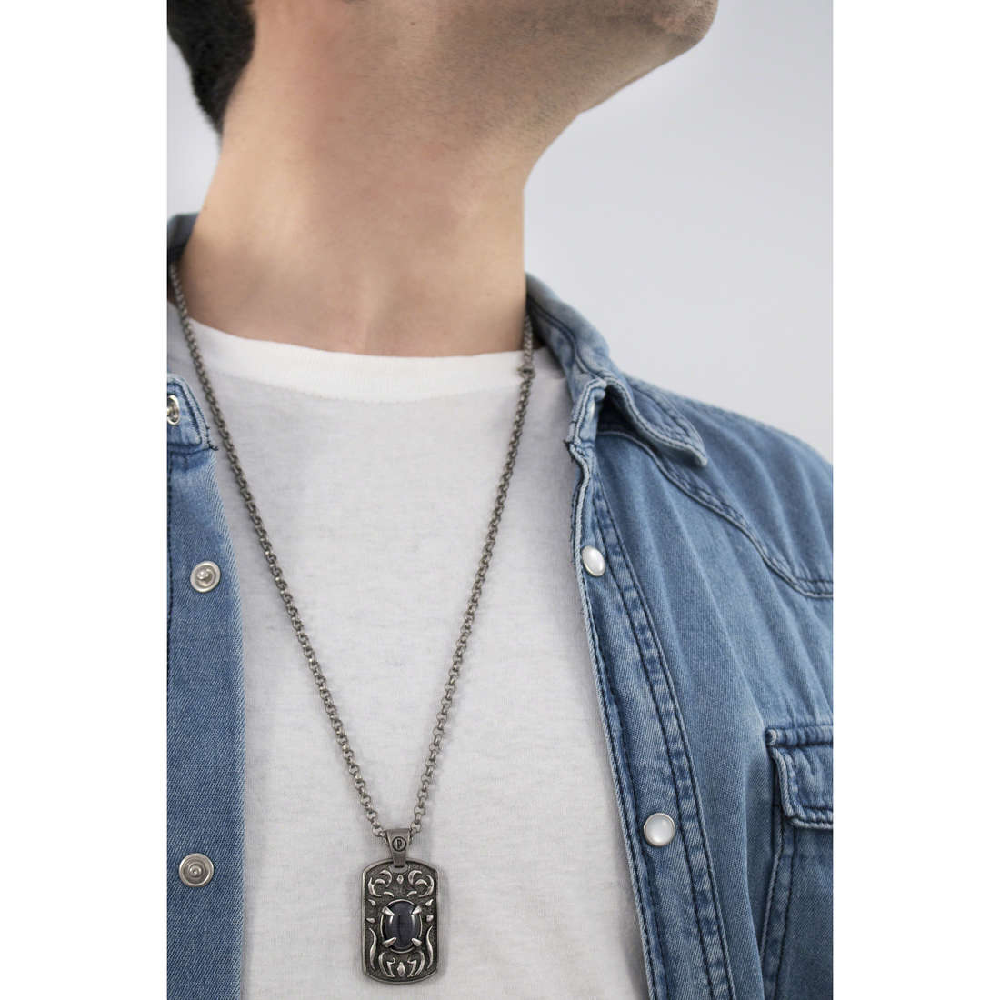 Police necklaces Spectre man S14AFX01P indosso