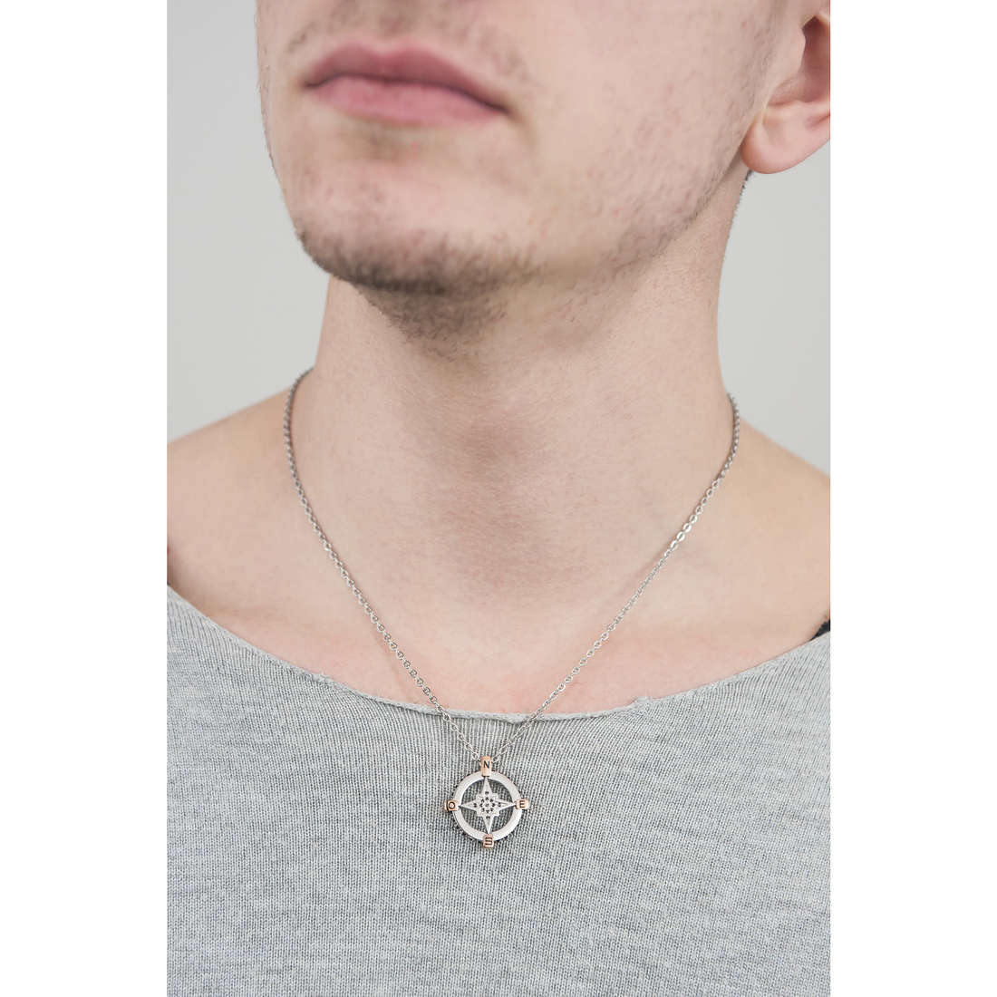 Sector necklaces Marine man SLI06 indosso