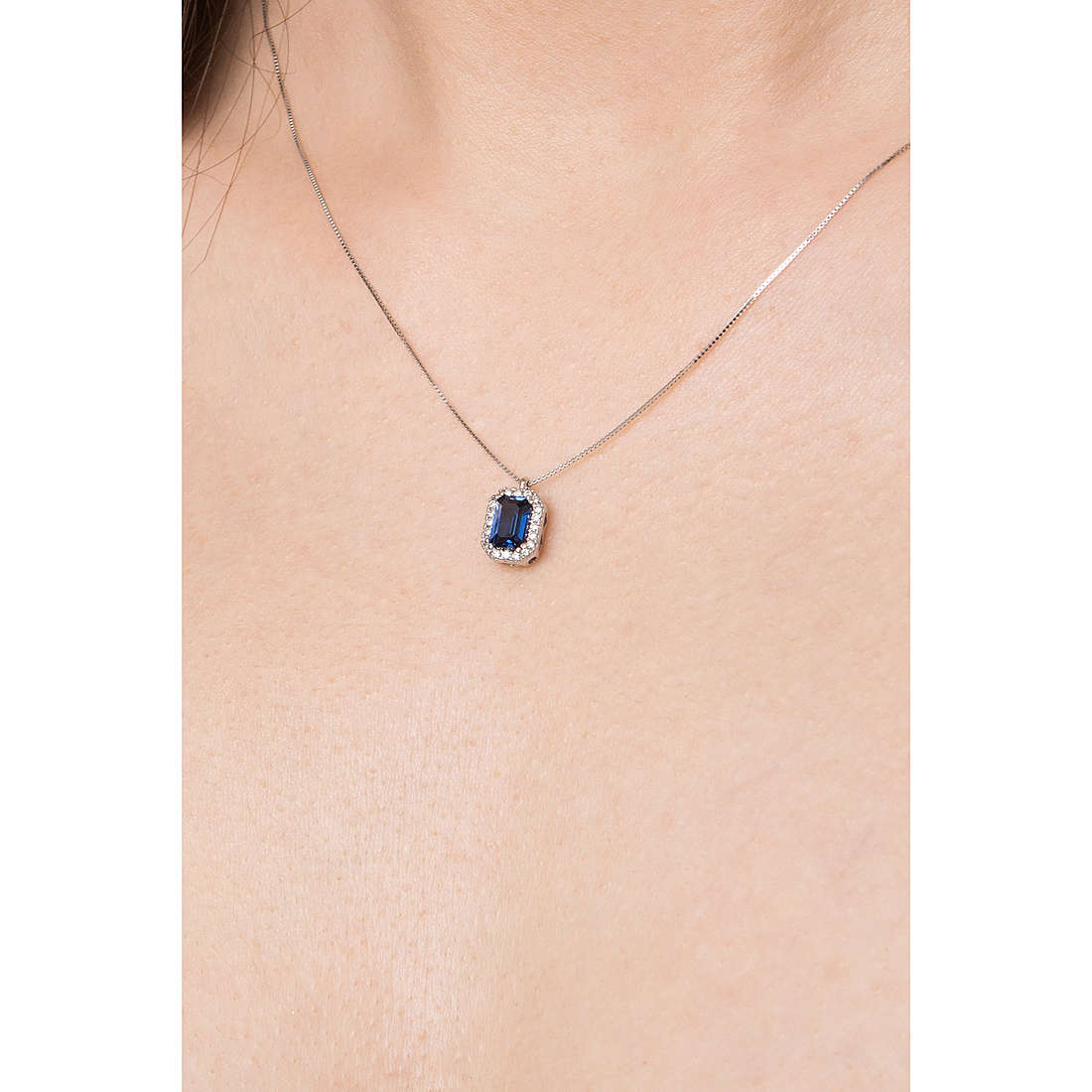 Comete necklaces Classic 07/14 woman GLB 1159 photo wearing