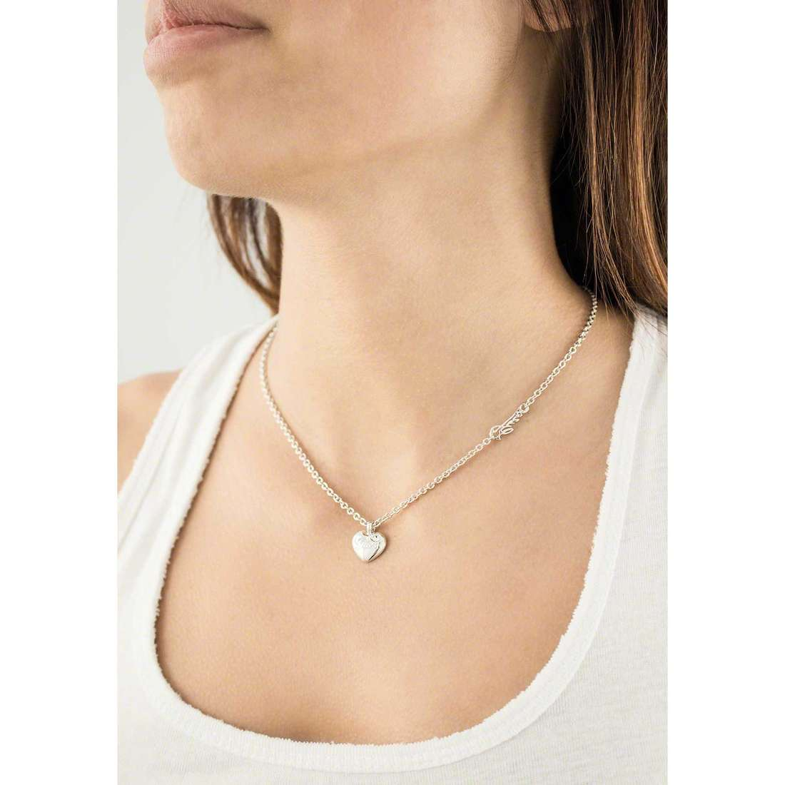 Guess necklaces Iconic woman UBN21526 indosso