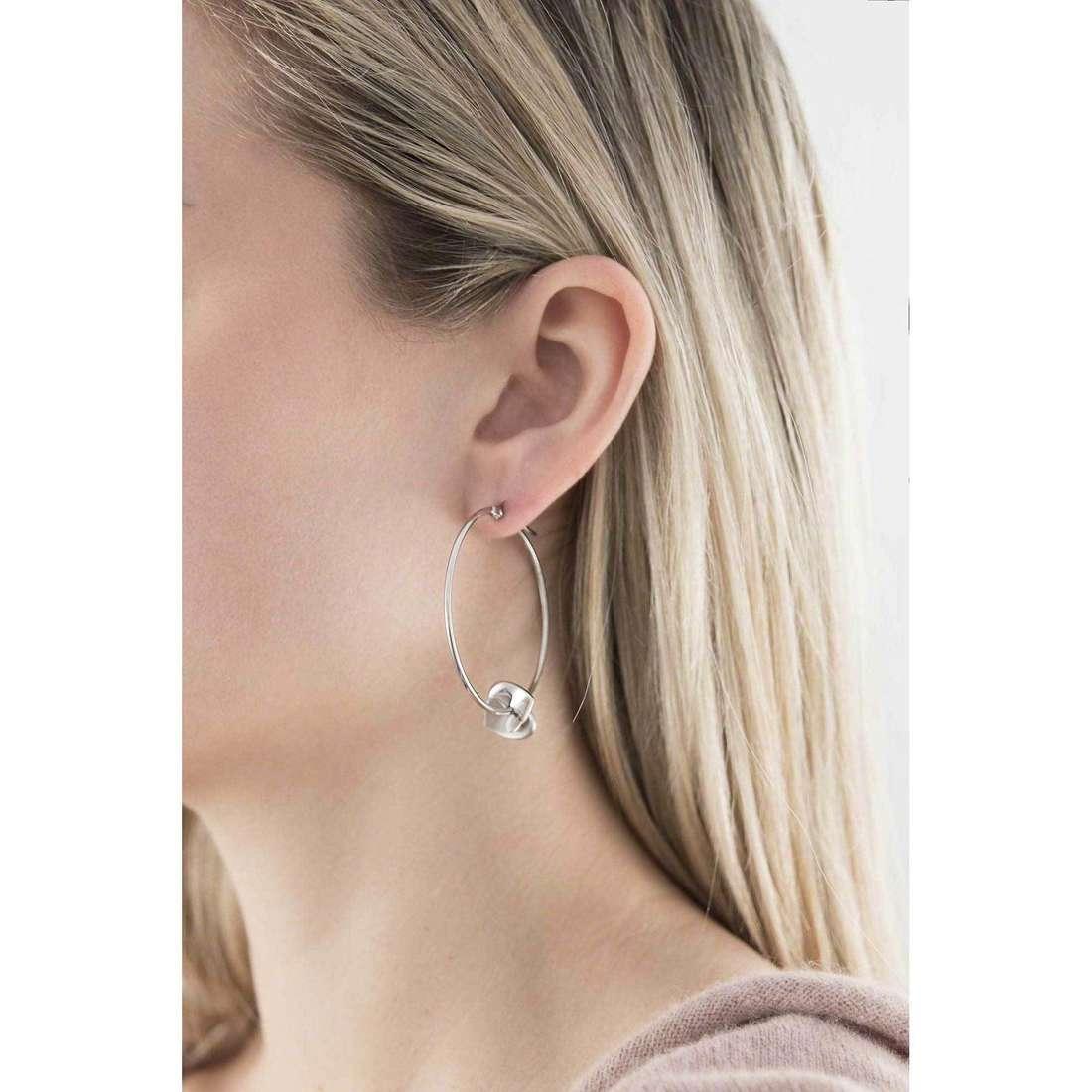Breil orecchini Beat Flavor donna TJ1495 indosso