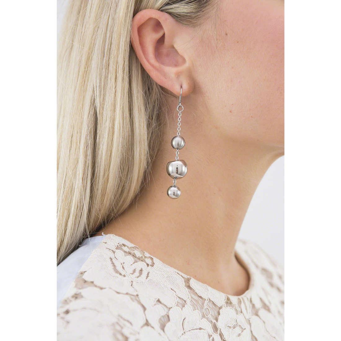 Breil orecchini Chaos donna TJ0916 indosso
