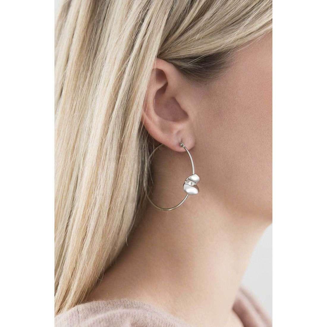 Breil orecchini Lucky donna TJ1695 indosso