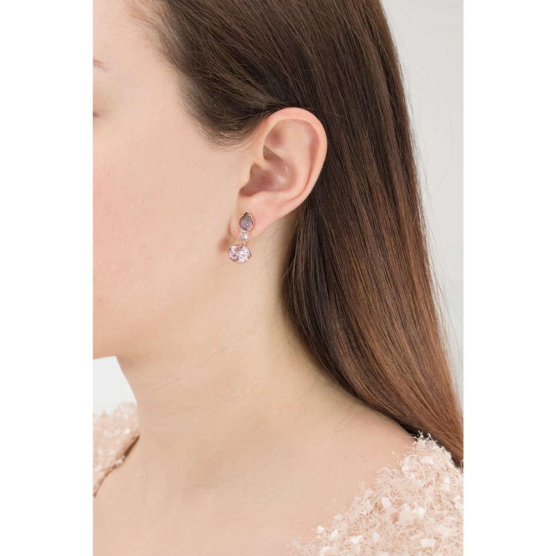 Brosway orecchini Affinity donna BFF26 indosso