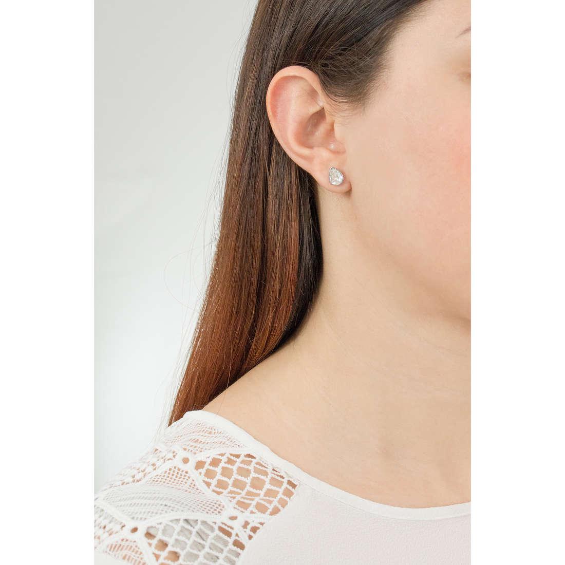 Brosway orecchini Affinity donna BFF30 indosso