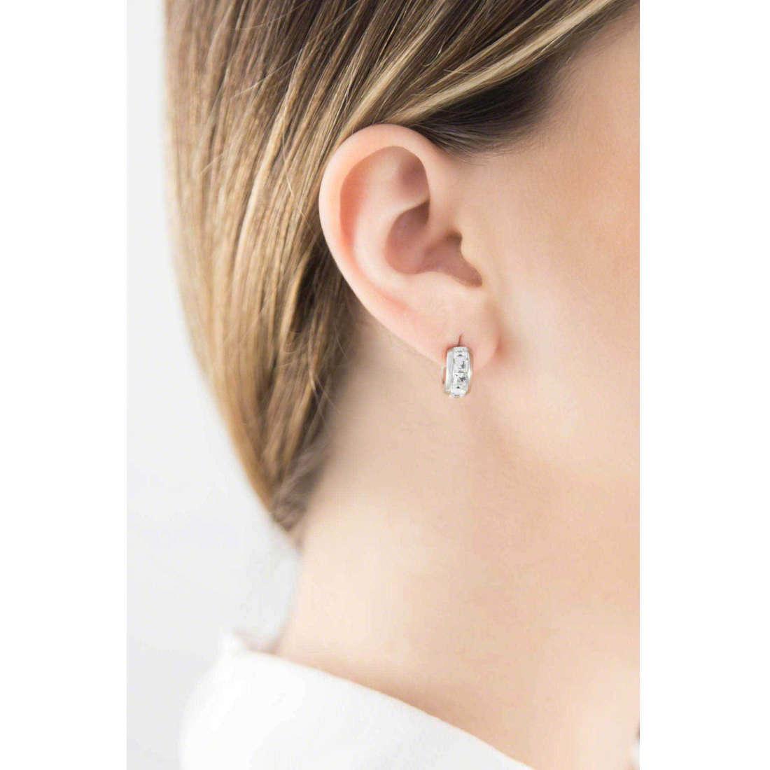 Brosway orecchini Tres Jolie donna BTJE01 indosso