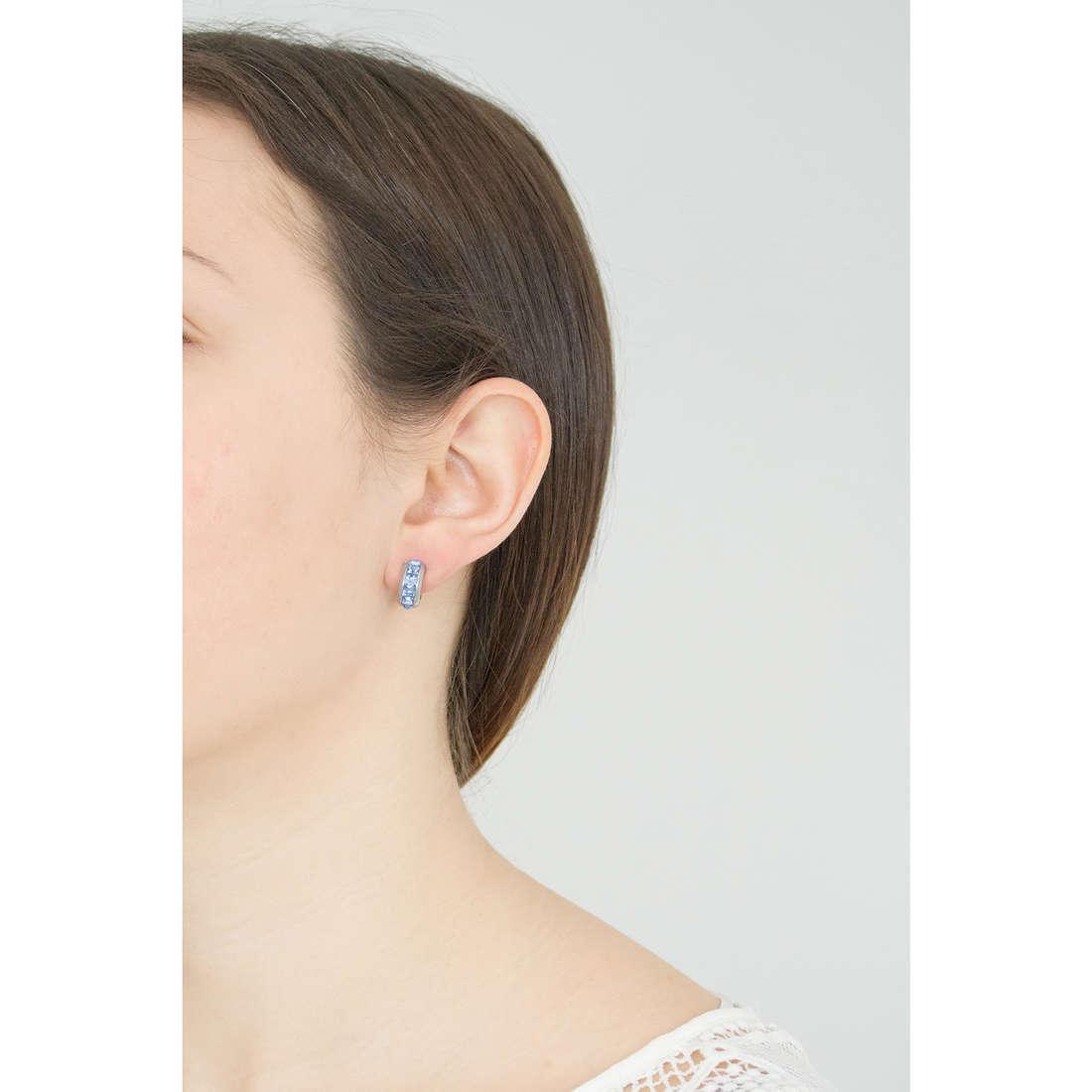 Brosway orecchini Tres Jolie donna BTJE04 indosso