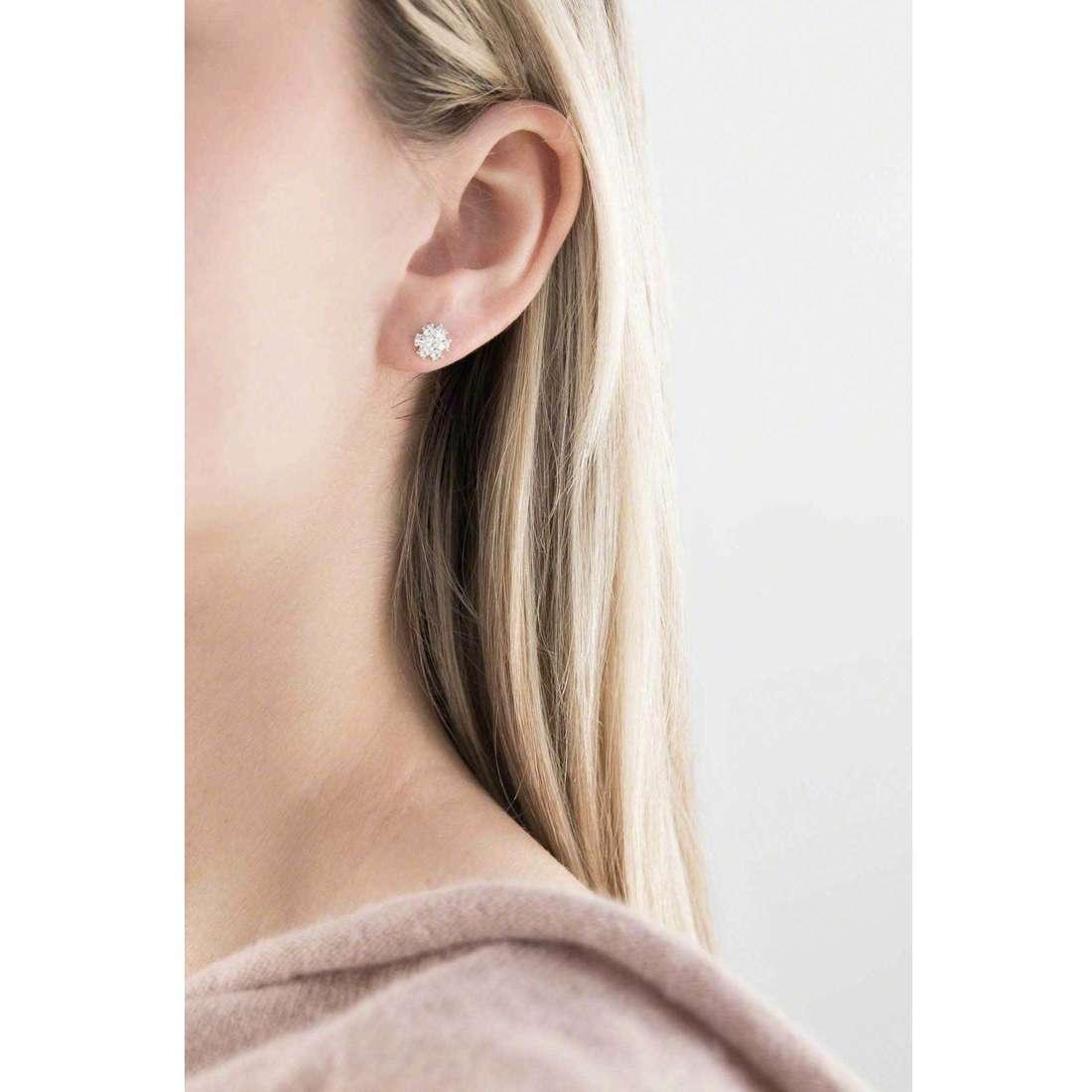 Guess orecchini Fashion donna UBE21541 indosso