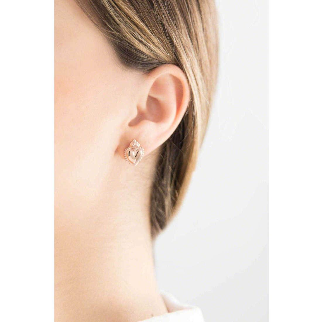 Marlù orecchini Sacro Cuore donna 13OR010 indosso