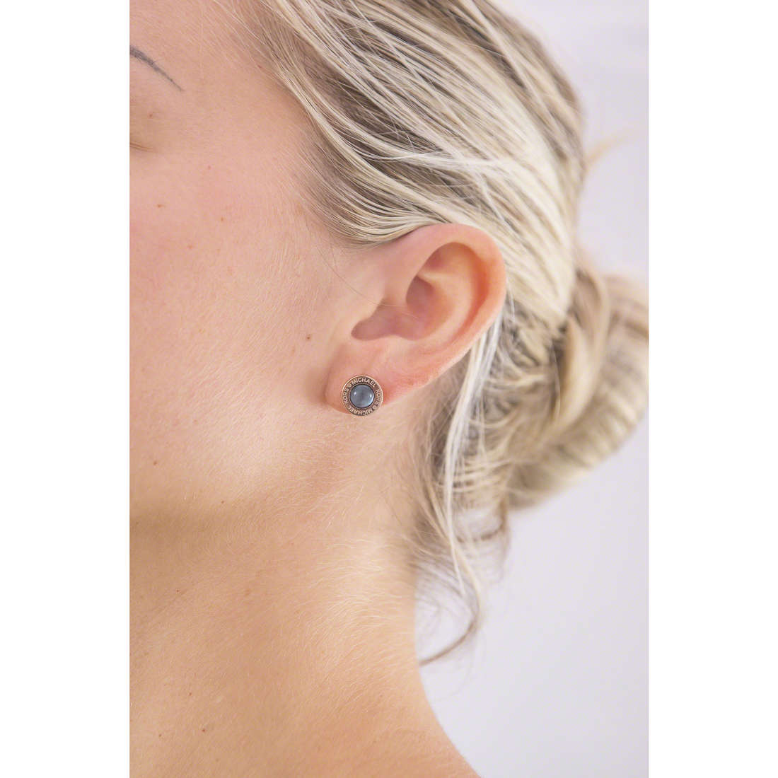 Michael Kors orecchini donna MKJ5870791 indosso