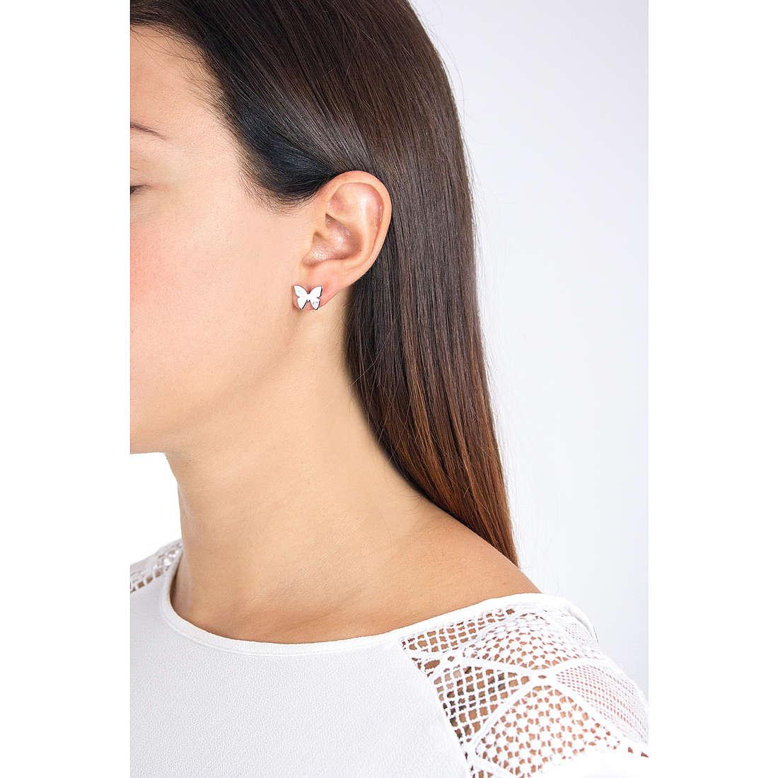 Nomination orecchini Butterfly donna 021308/002 indosso