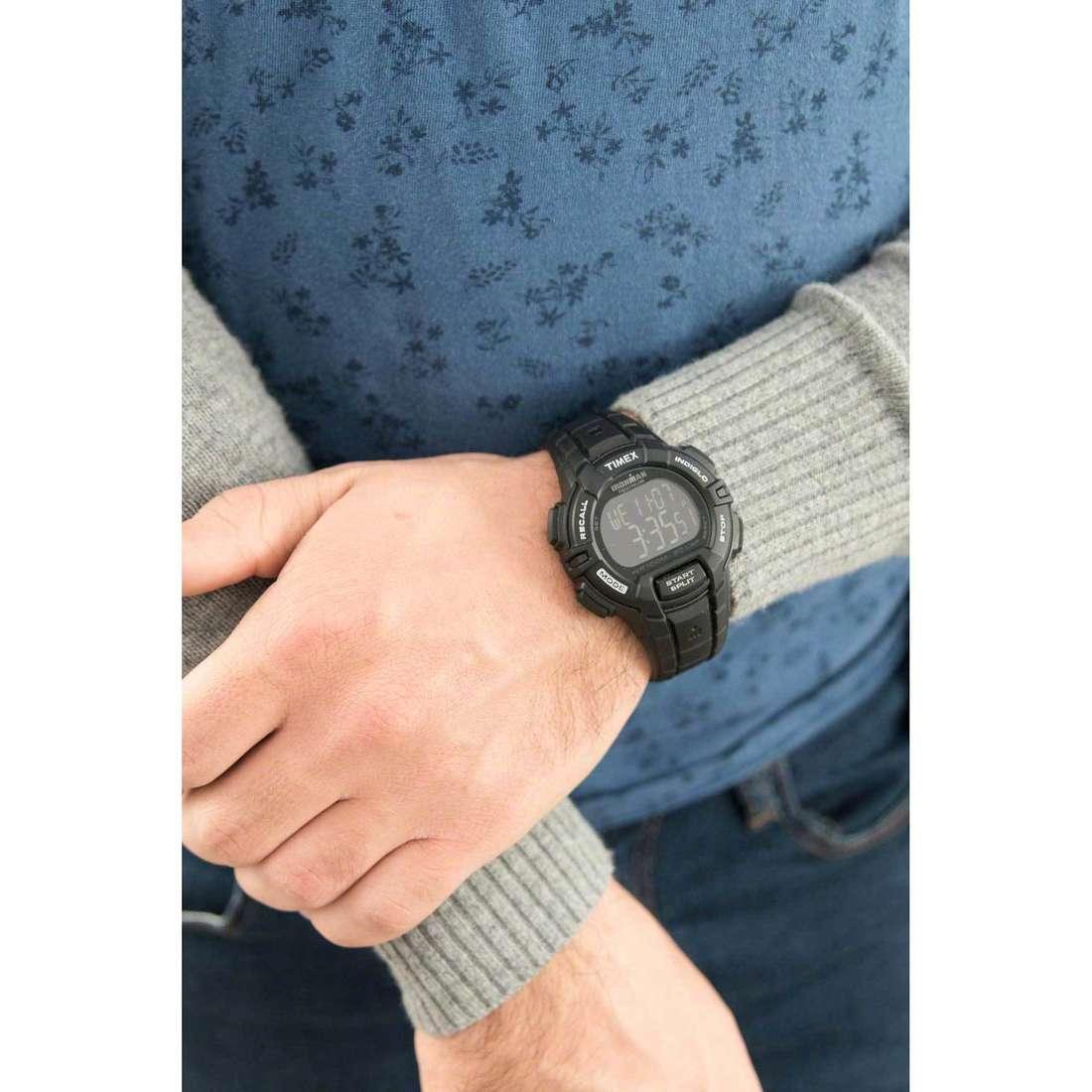 Timex digitali 30 Lap Rugged uomo T5K793 indosso