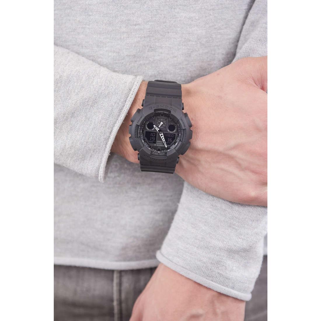 Casio digitali G-Shock uomo GA-100-1A1ER indosso