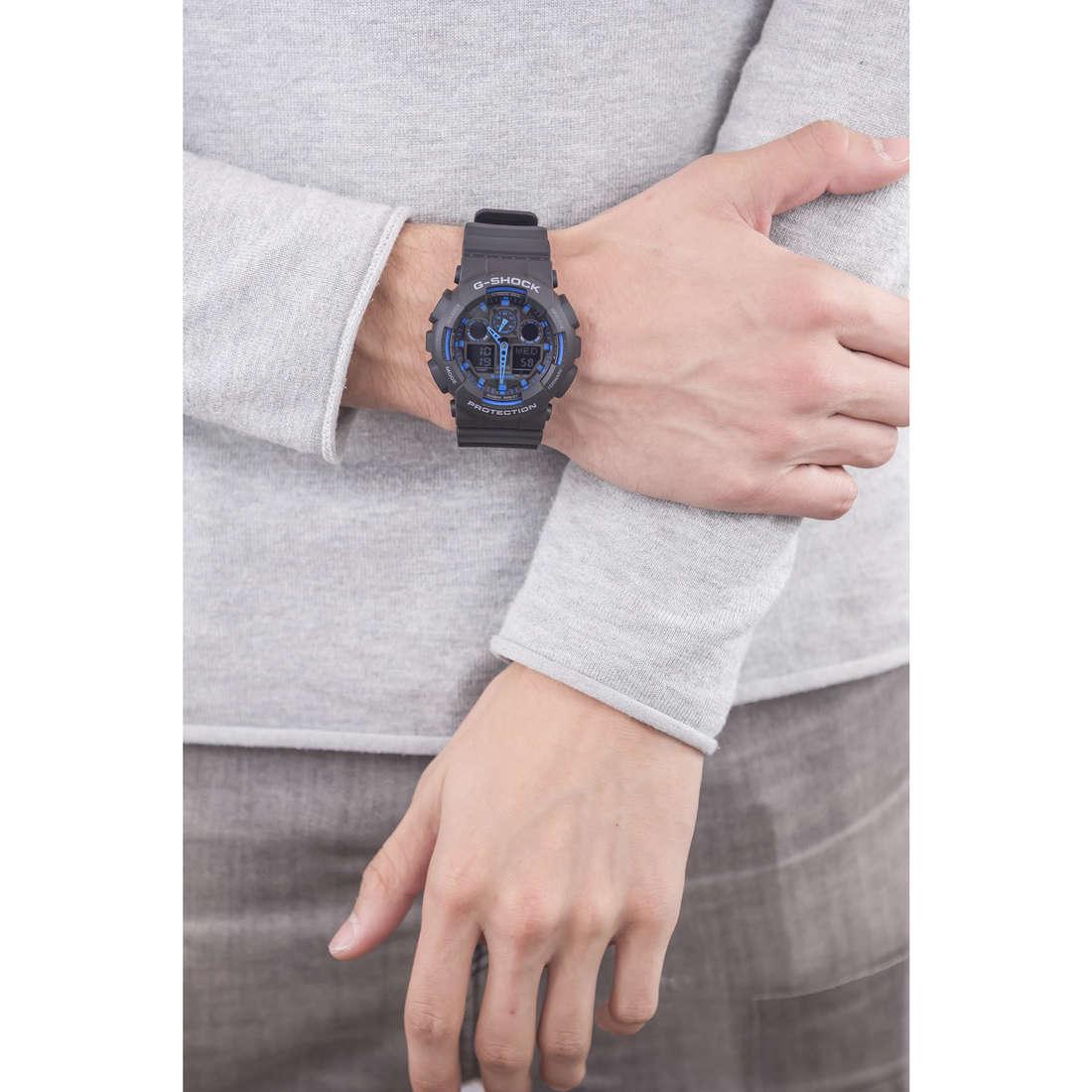 Casio digitali G-Shock uomo GA-100-1A2ER indosso