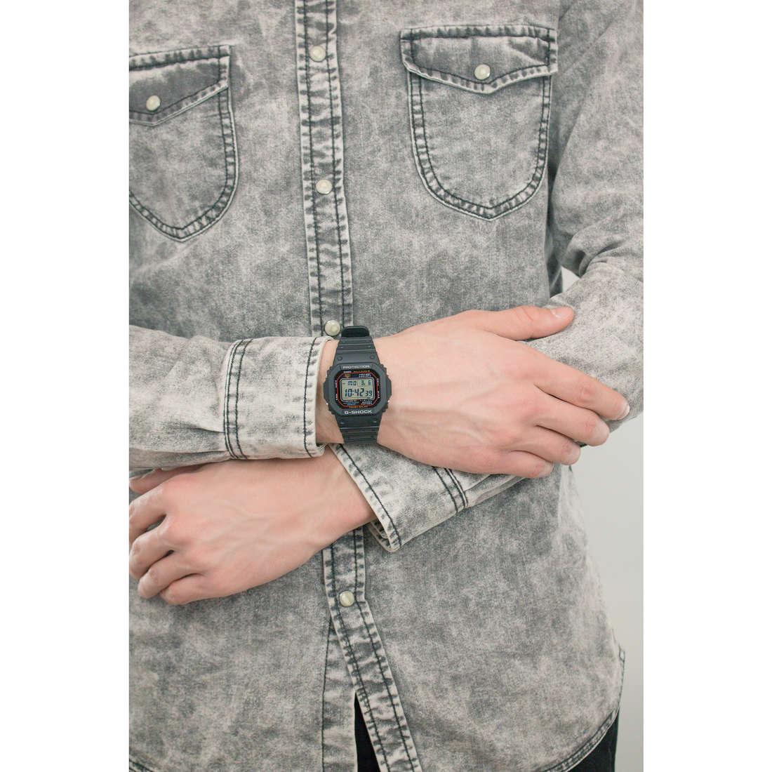 Casio digitali G-Shock uomo GW-M5610-1ER indosso