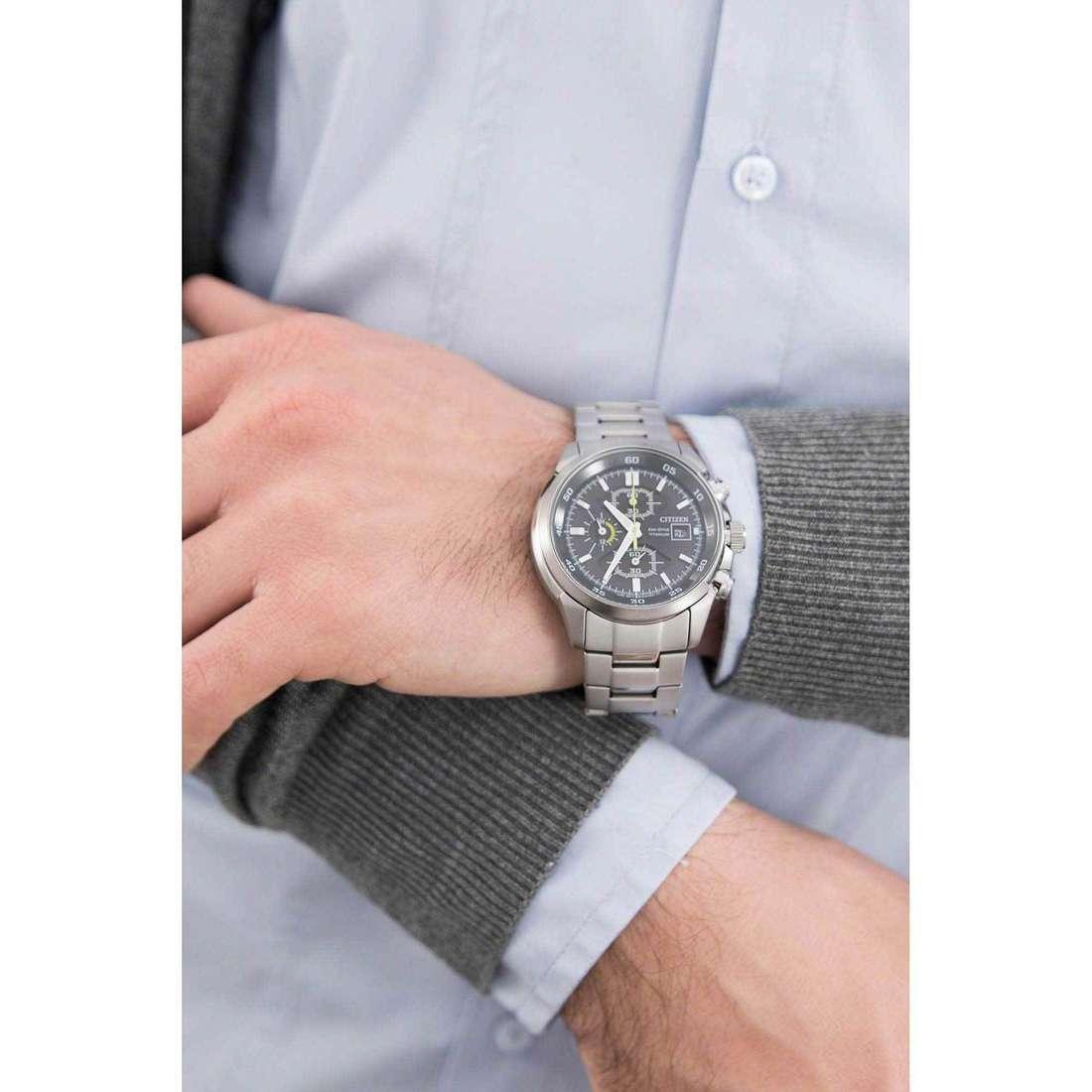 Citizen cronografi Eco-Drive uomo CA0131-55E indosso