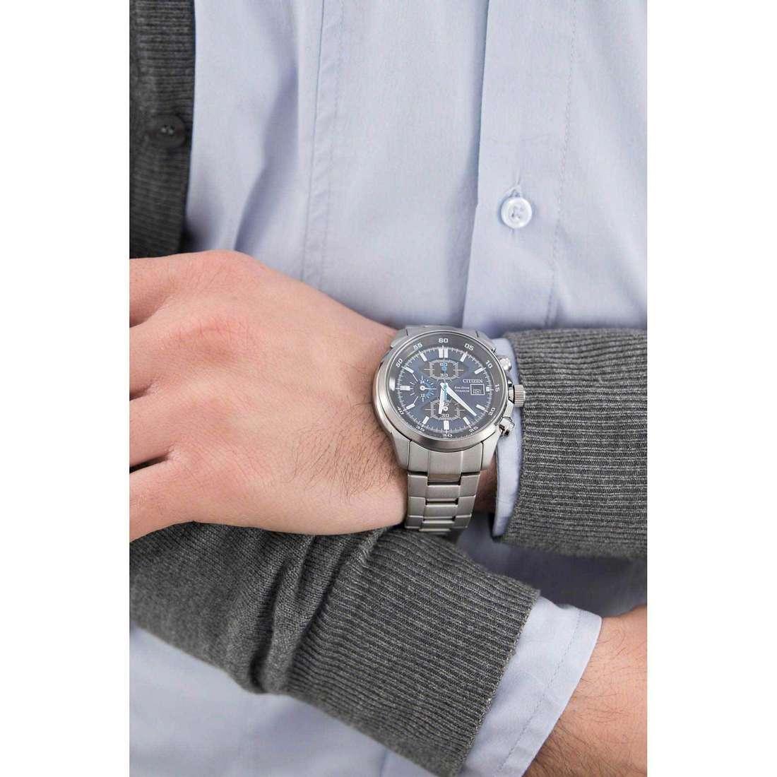 Citizen cronografi Eco-Drive uomo CA0131-55L indosso