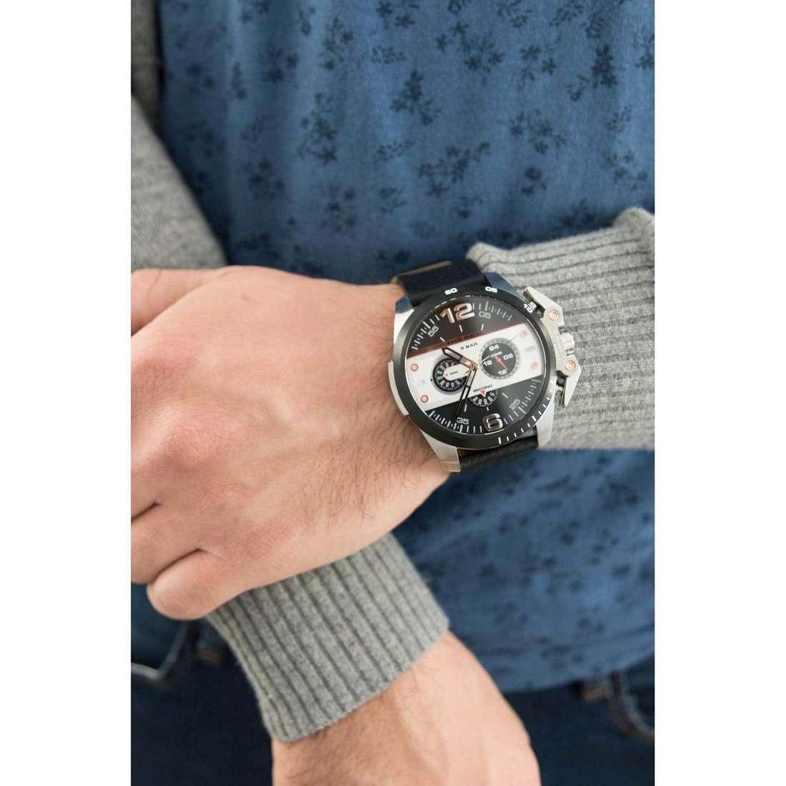 Diesel cronografi Ironside uomo DZ4361 indosso