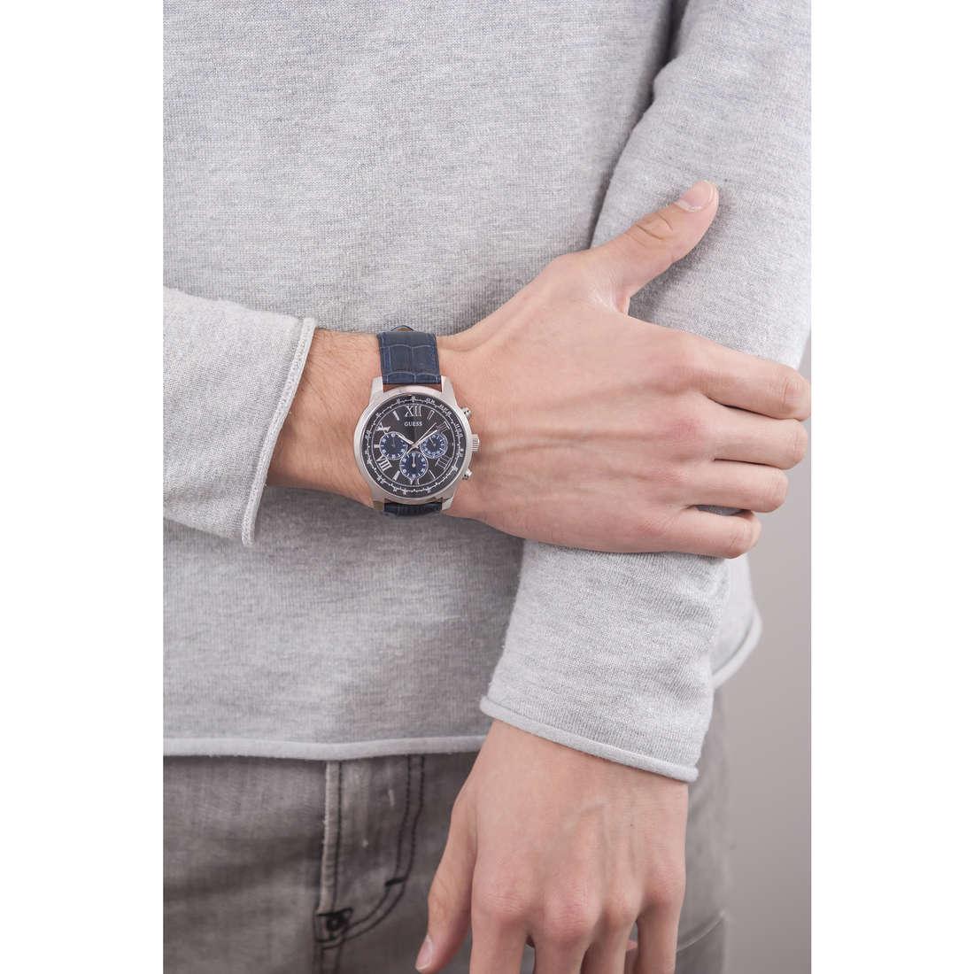 Guess cronografi Horizon uomo W0380G3 indosso