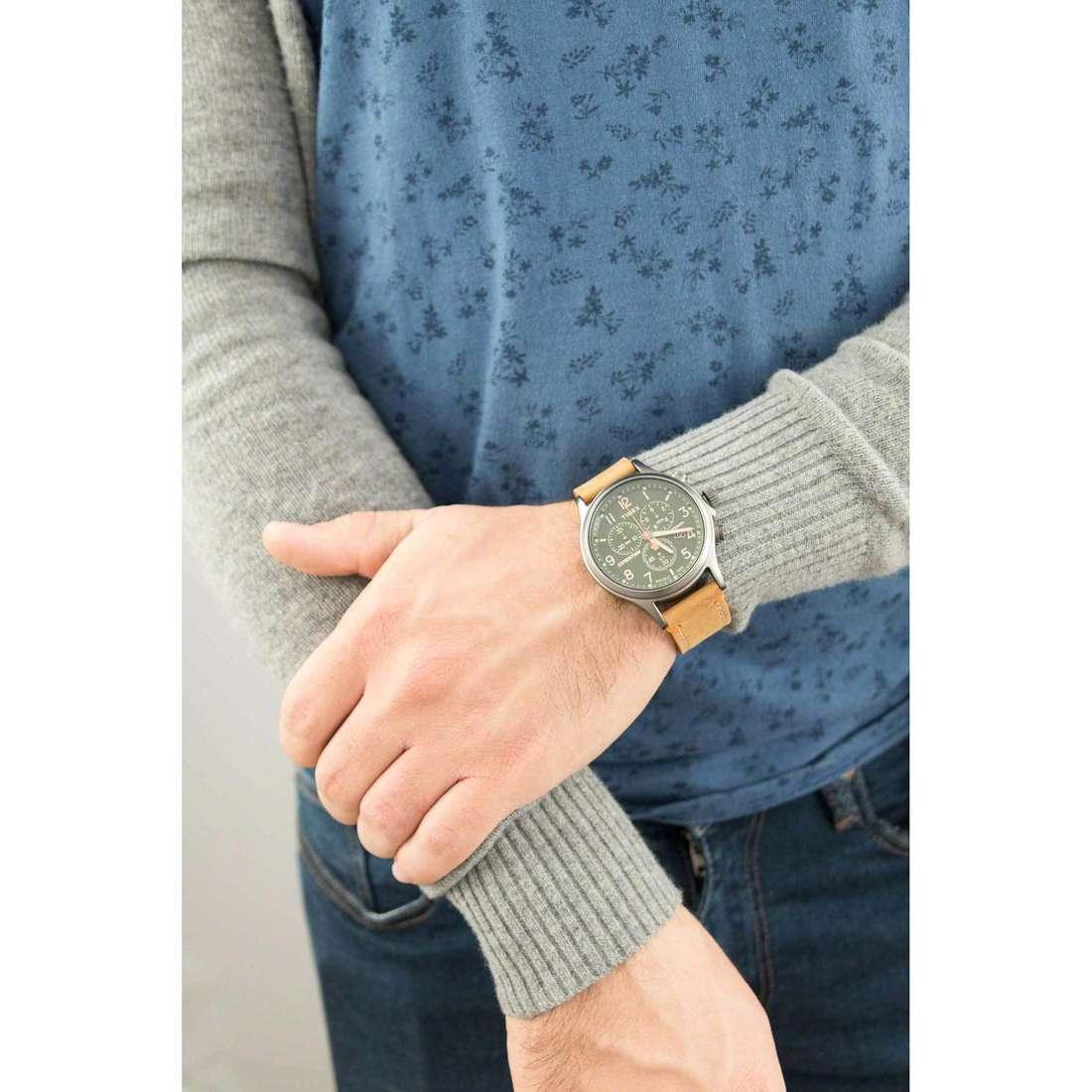 Timex cronografi Scout Chrono uomo TW4B04400 indosso