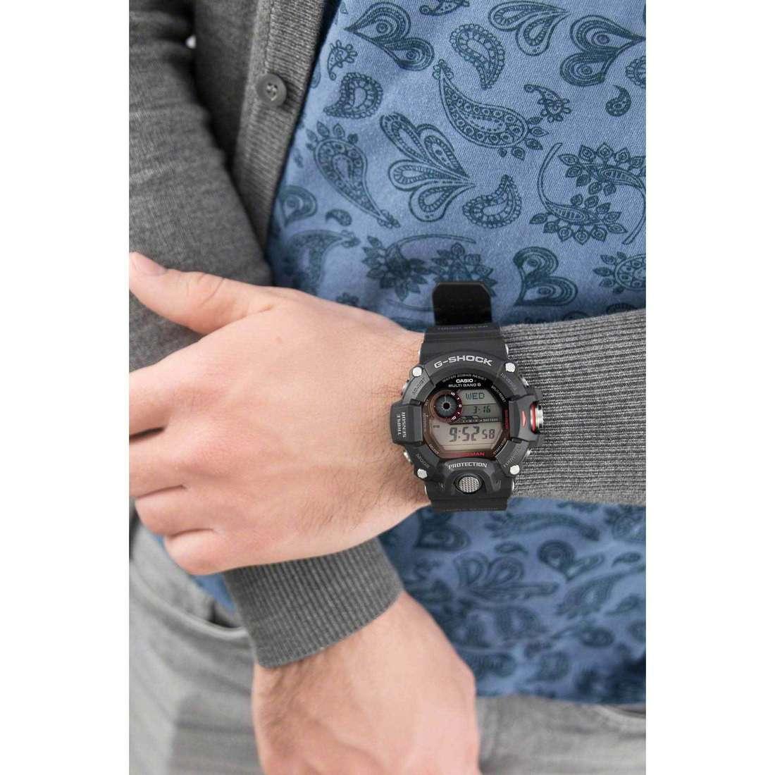 Casio digitali G-Shock uomo GW-9400-1ER indosso