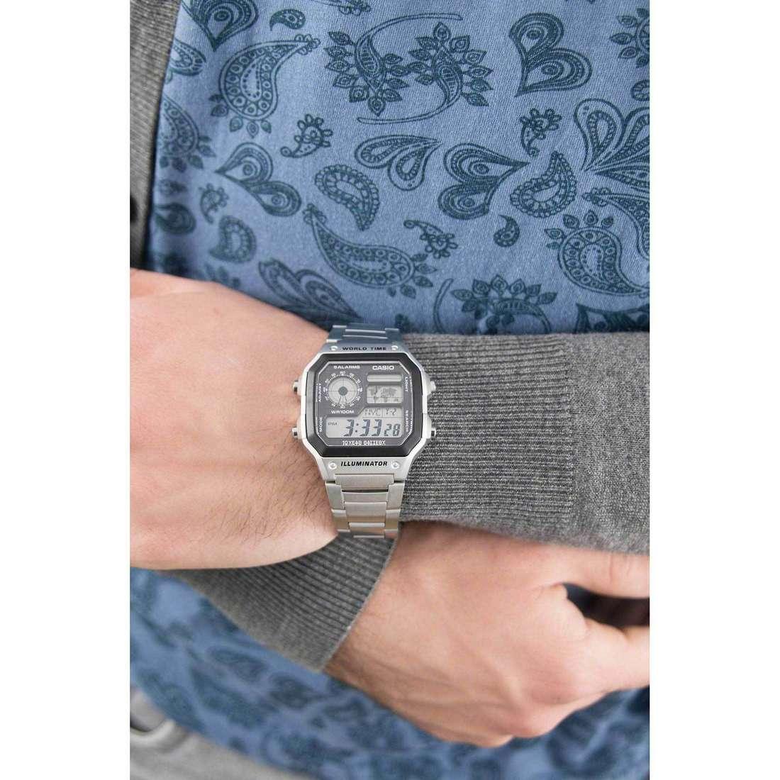Casio digitali Casio Collection uomo AE-1200WHD-1AVEF indosso