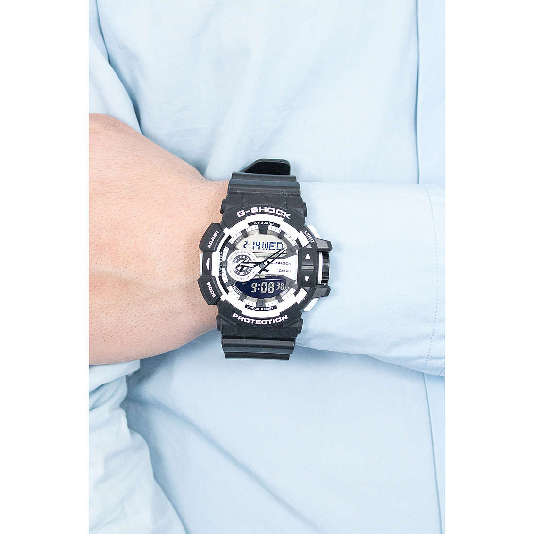 Casio digitali G-Shock uomo GA-400-1AER indosso